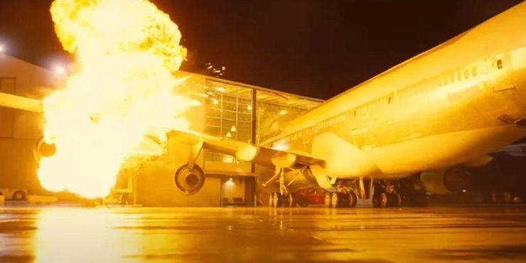 سکانس انفجار هواپیما در فیلم تنت